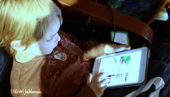 boy-with-ipad